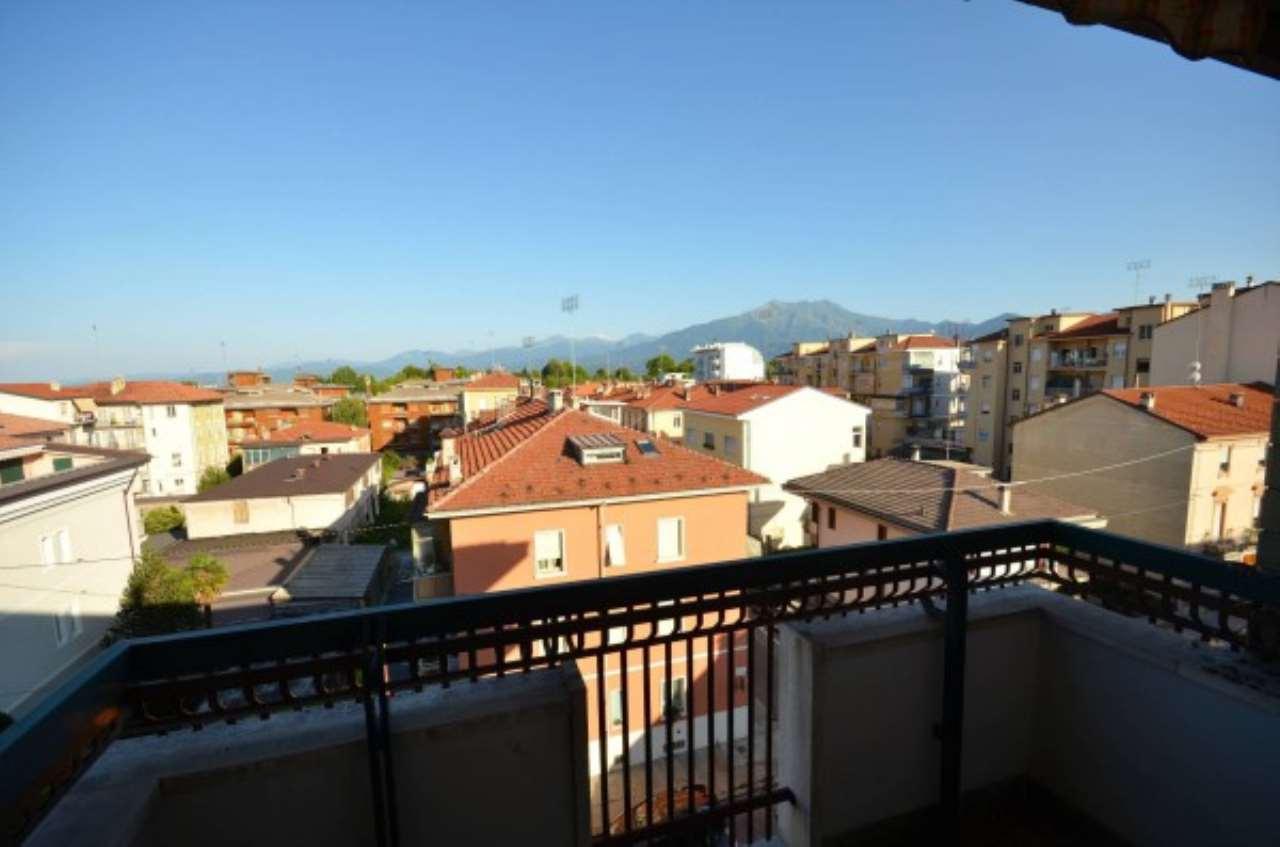 Attico / Mansarda in vendita a Cuneo, 6 locali, Trattative riservate | CambioCasa.it