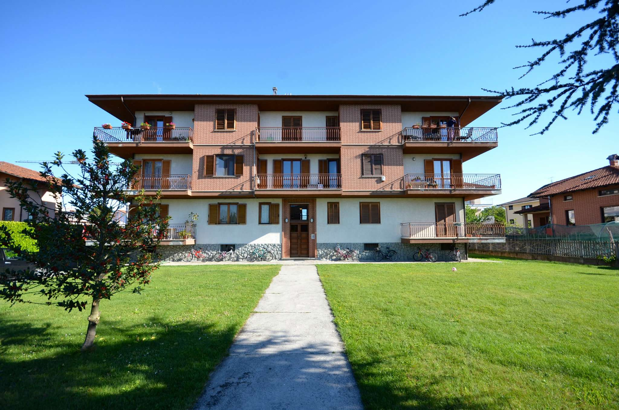 Appartamento in buone condizioni in vendita Rif. 5280034