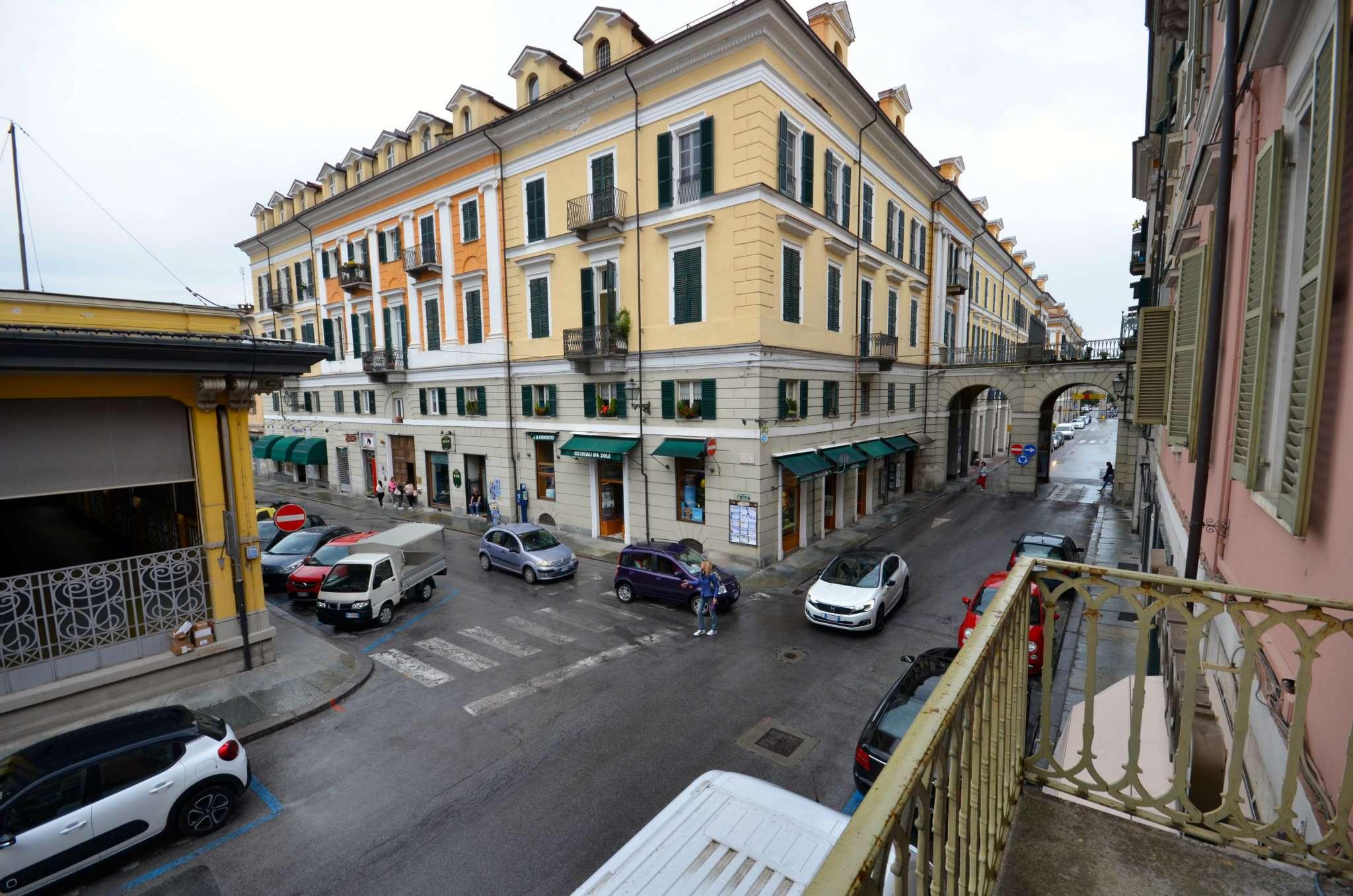 Negozio / Locale in vendita a Cuneo, 11 locali, Trattative riservate | CambioCasa.it
