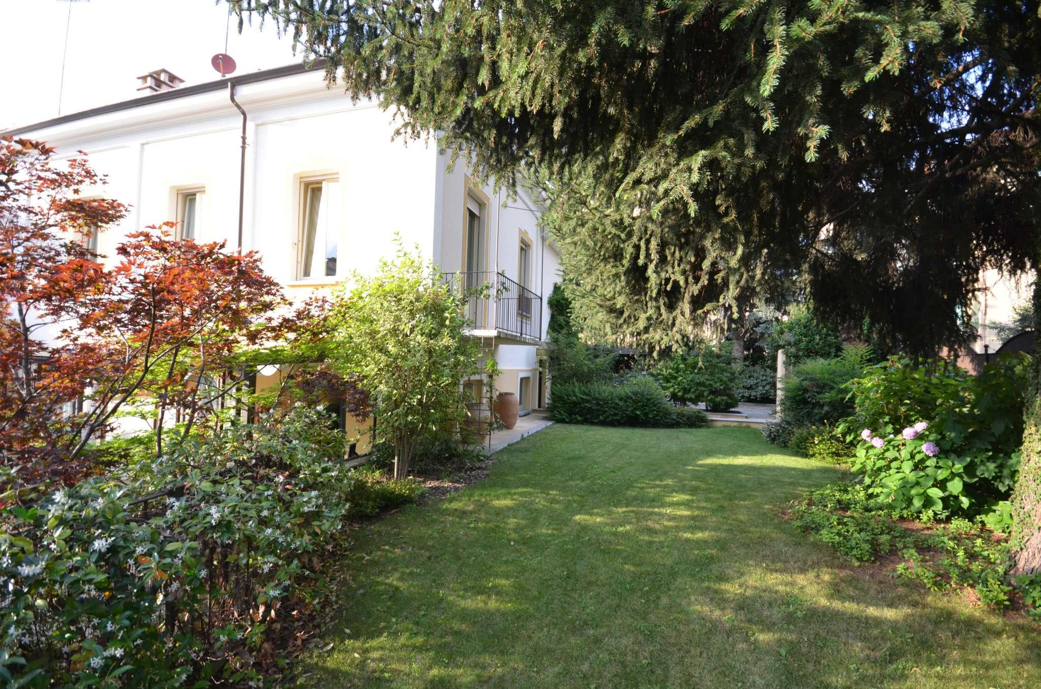 Foto 1 di Villa Via Alessandro Volta, Cuneo