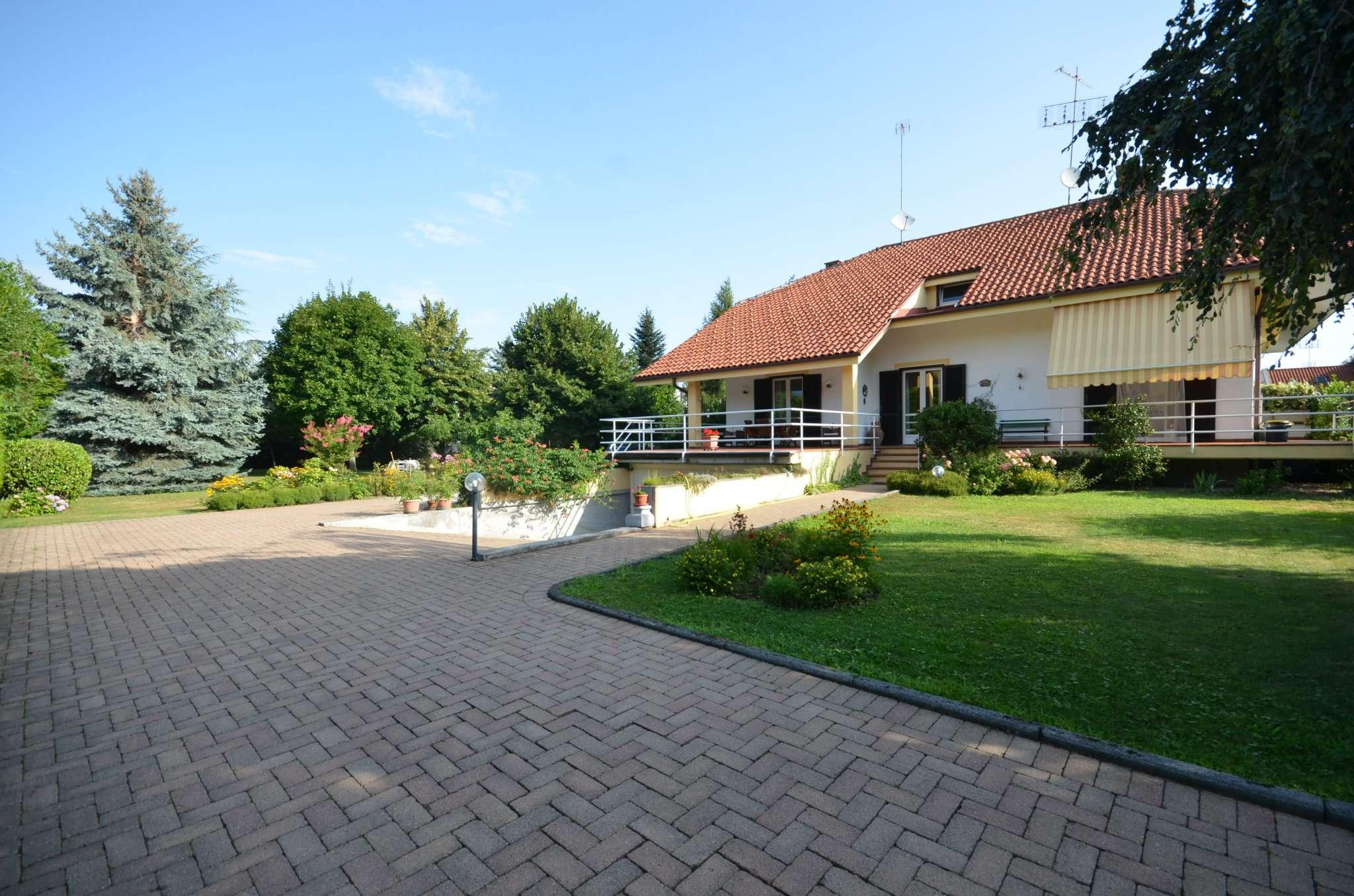 Villa in vendita a Borgo San Dalmazzo, 7 locali, prezzo € 380.000   CambioCasa.it