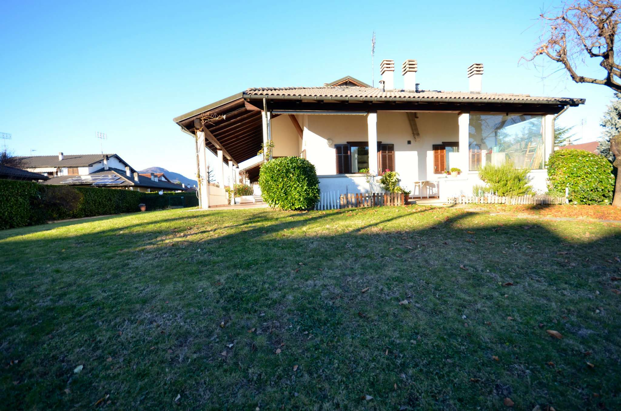 Villa in vendita a Borgo San Dalmazzo, 6 locali, prezzo € 380.000 | CambioCasa.it