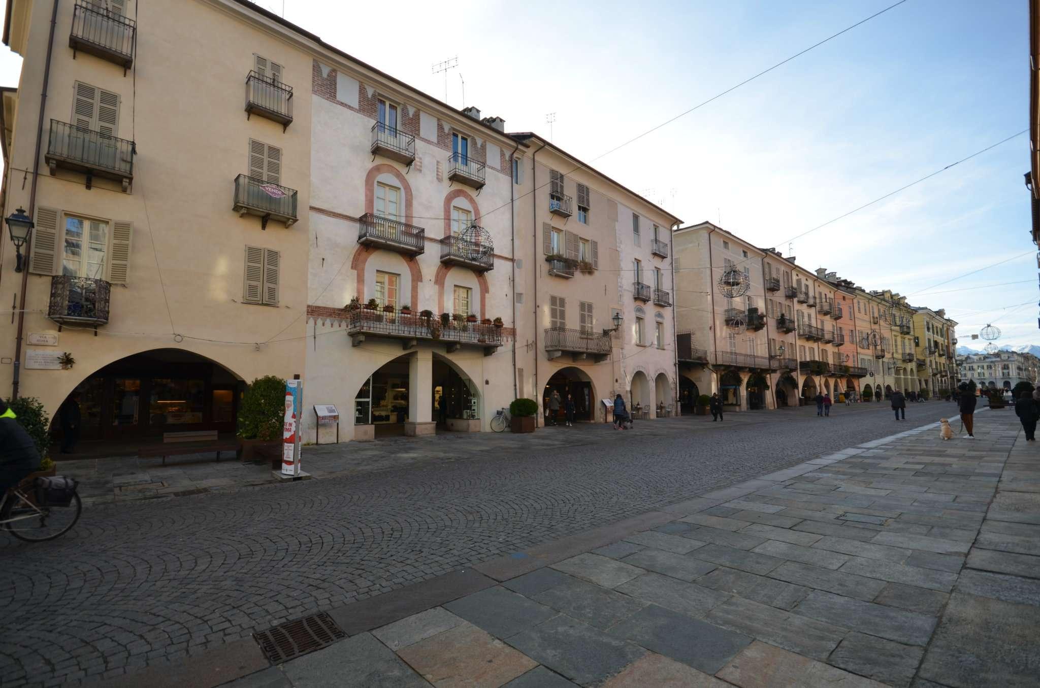 Appartamento in vendita a Cuneo, 5 locali, prezzo € 350.000 | CambioCasa.it