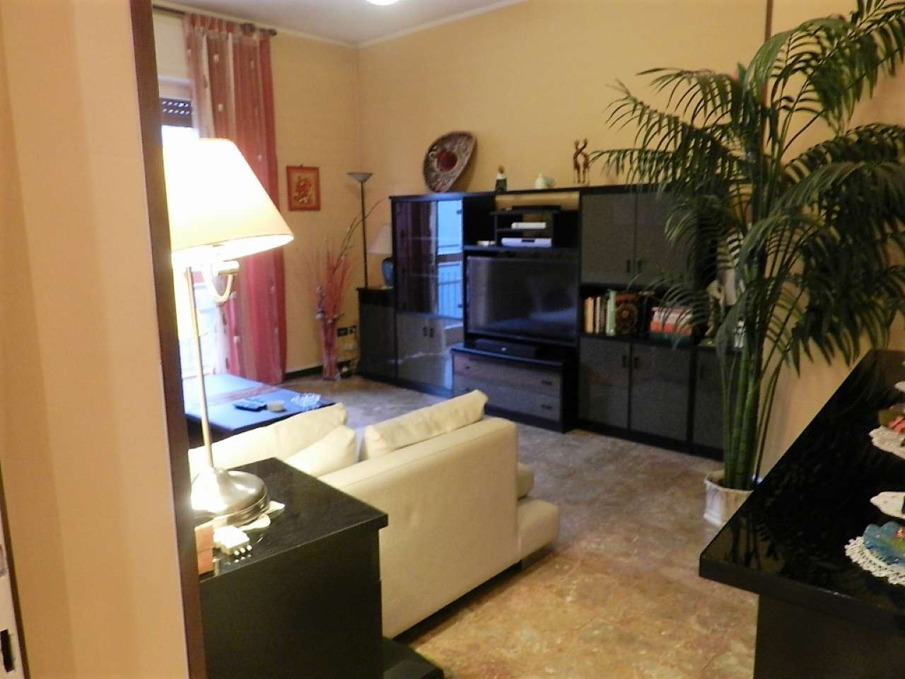 Appartamento in vendita a Robecco sul Naviglio, 3 locali, prezzo € 85.000 | CambioCasa.it