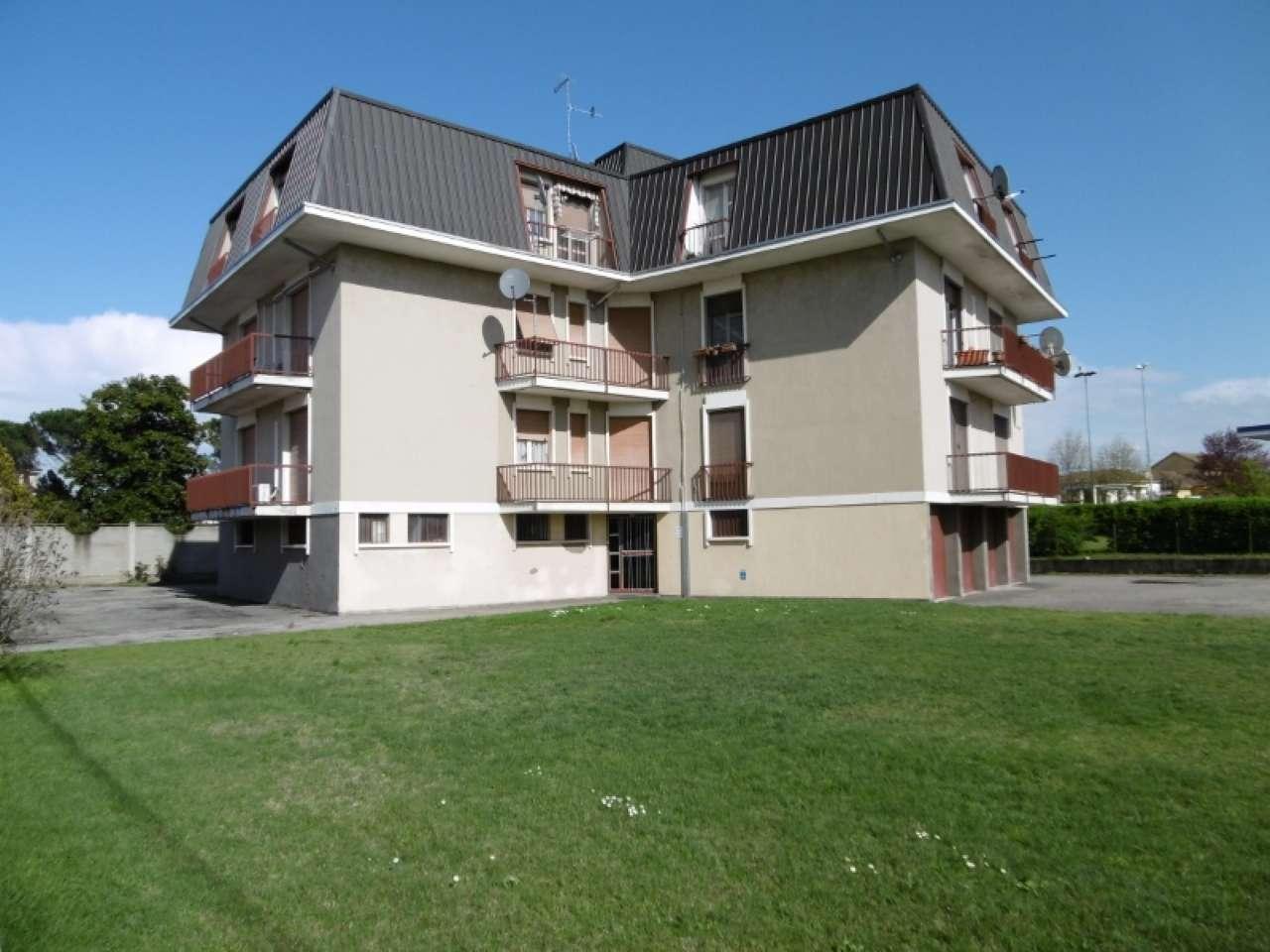 Appartamento in vendita a Castello d'Agogna, 3 locali, prezzo € 73.000 | CambioCasa.it