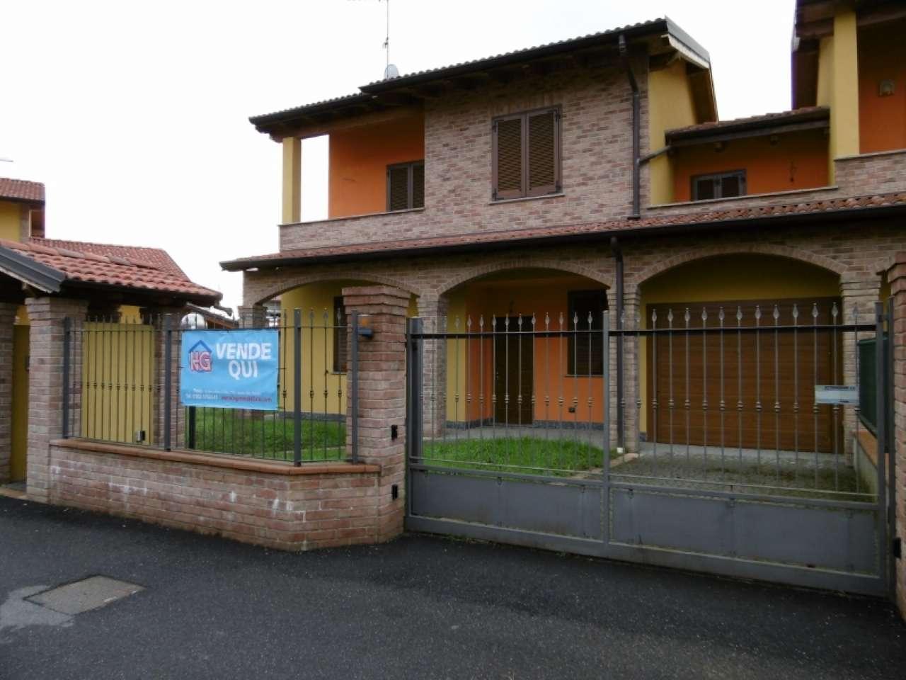 Villa Tri-Quadrifamiliare in vendita a Bereguardo, 5 locali, prezzo € 255.000 | CambioCasa.it