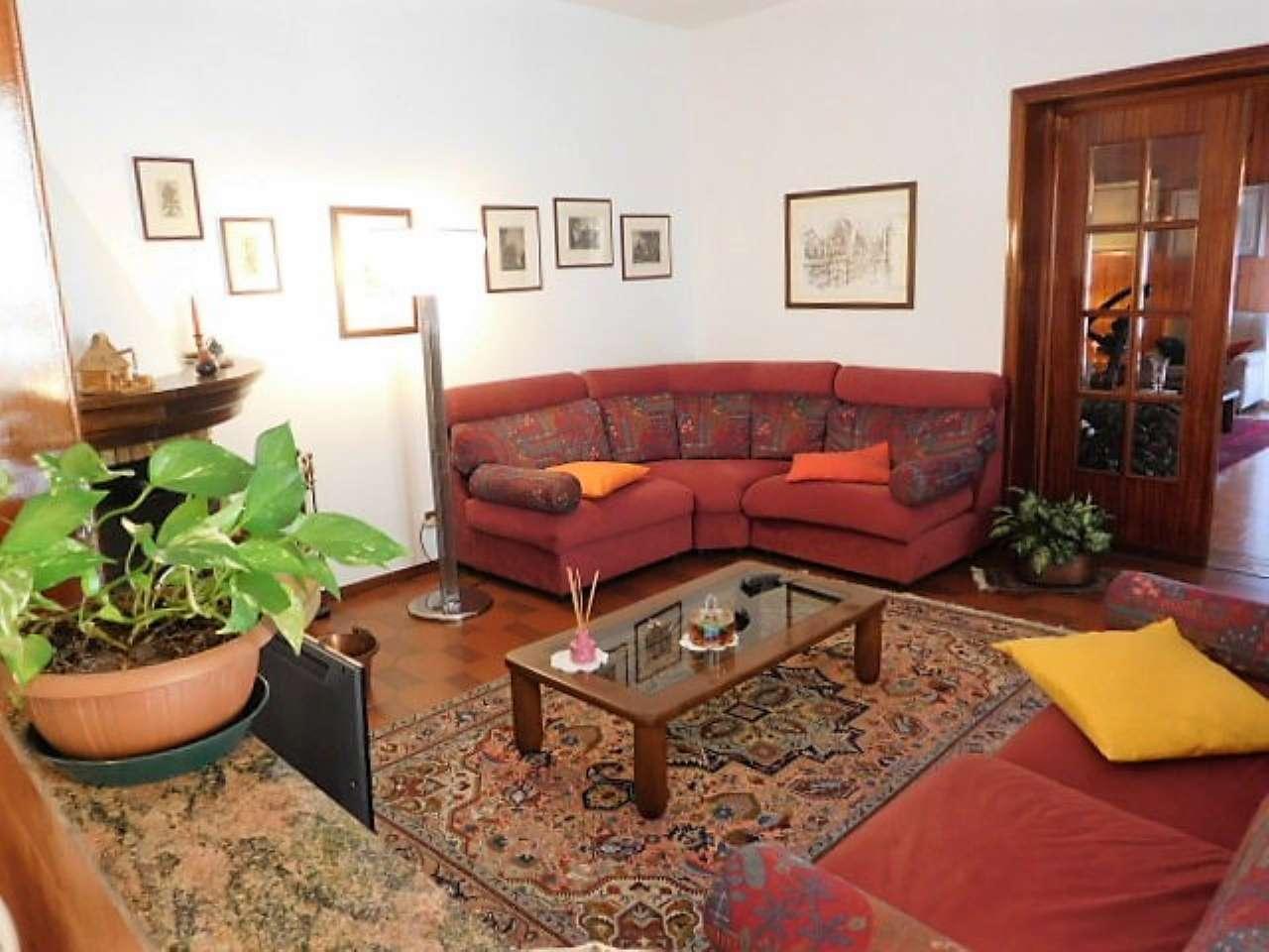 Soluzione Indipendente in vendita a Cava Manara, 8 locali, prezzo € 295.000 | PortaleAgenzieImmobiliari.it