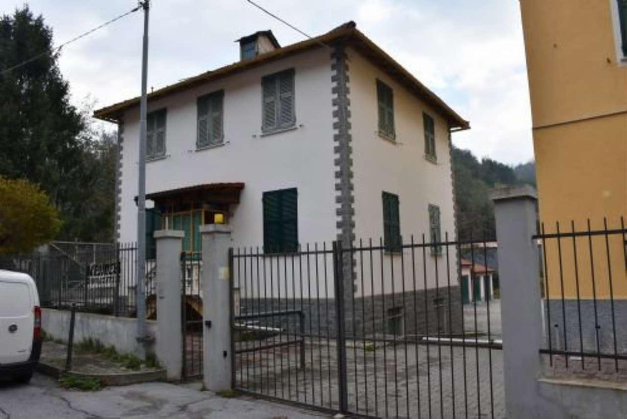 Villa in vendita a Ceranesi, 8 locali, prezzo € 195.000 | PortaleAgenzieImmobiliari.it