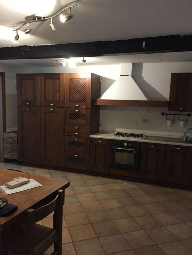 Appartamento in ottime condizioni parzialmente arredato in affitto Rif. 8204419