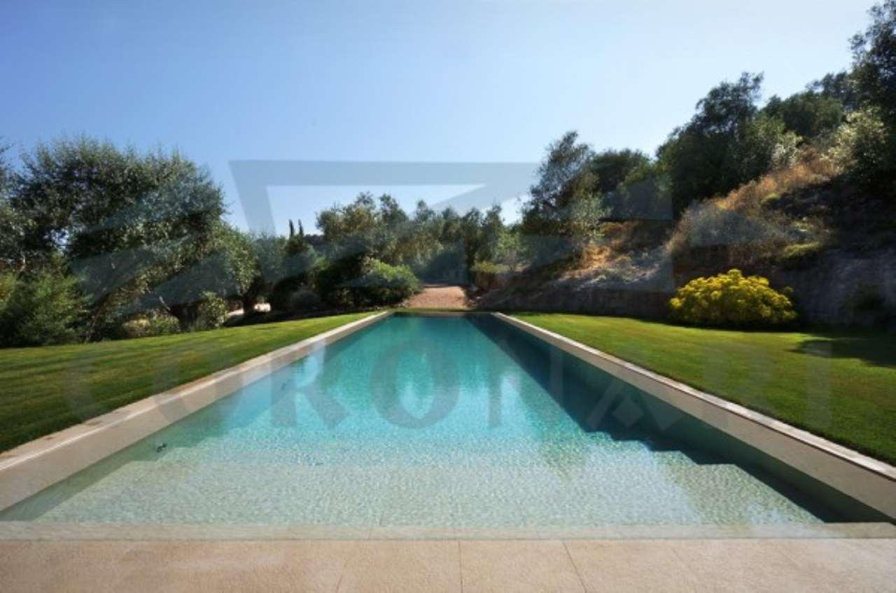 Capalbio. Prestigiosa Villa con piscina.