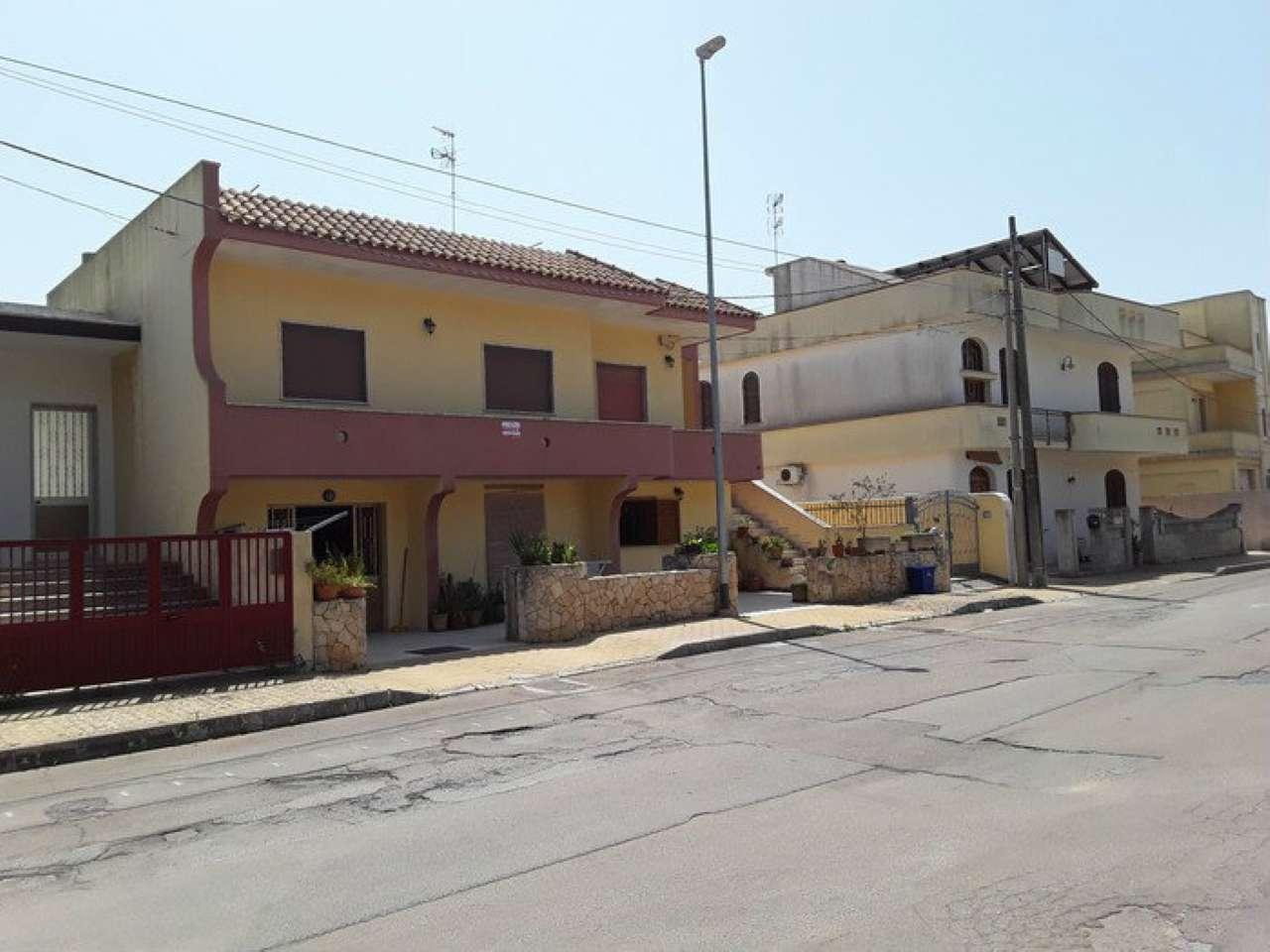 Appartamento in buone condizioni arredato in vendita Rif. 7228579
