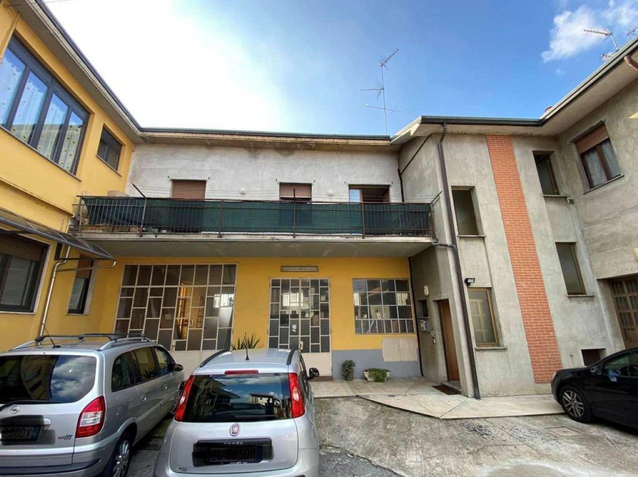 Appartamento in vendita a Seveso, 4 locali, prezzo € 125.000 | PortaleAgenzieImmobiliari.it