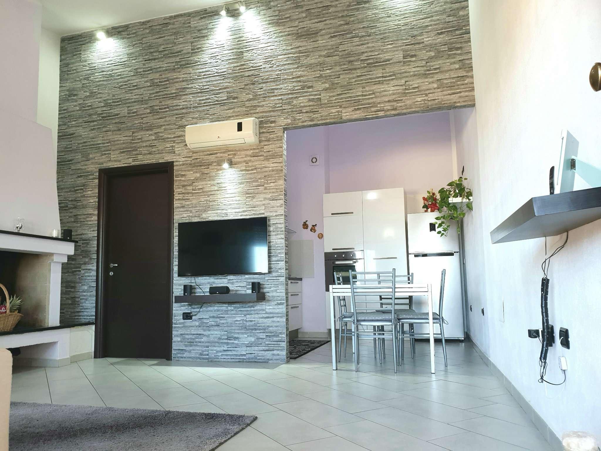 Appartamento in ottime condizioni parzialmente arredato in vendita Rif. 7893119
