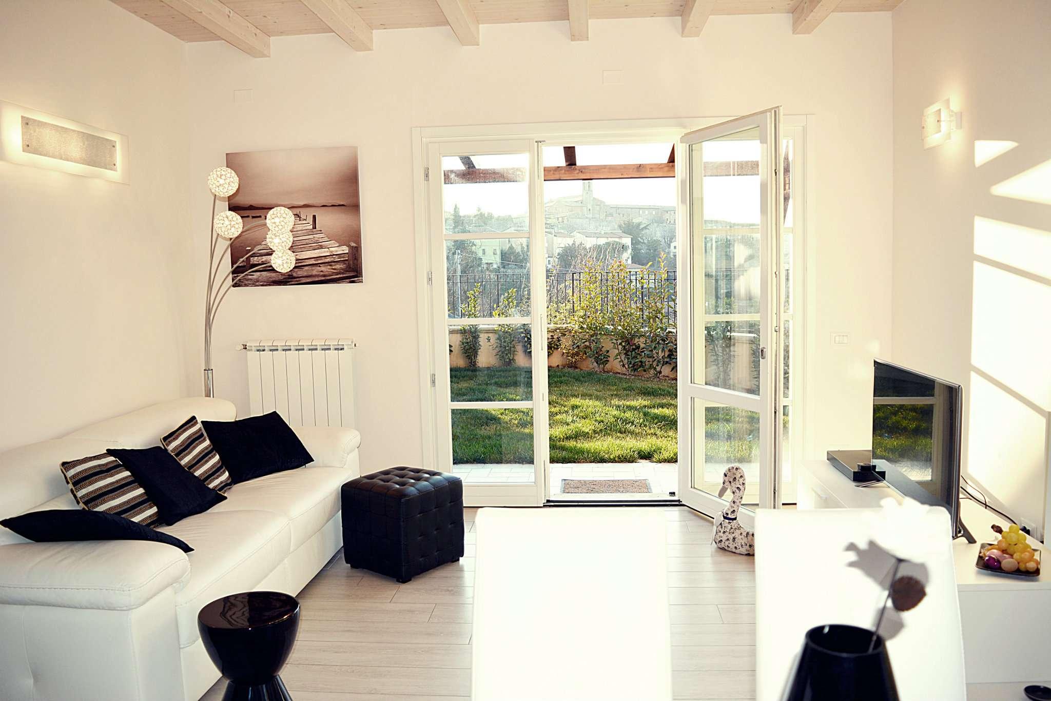 Appartamento ristrutturato arredato in vendita Rif. 4419587