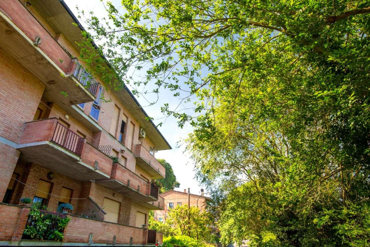 Appartamento con terrazzo e garage a pochi metri dalle mura medievali