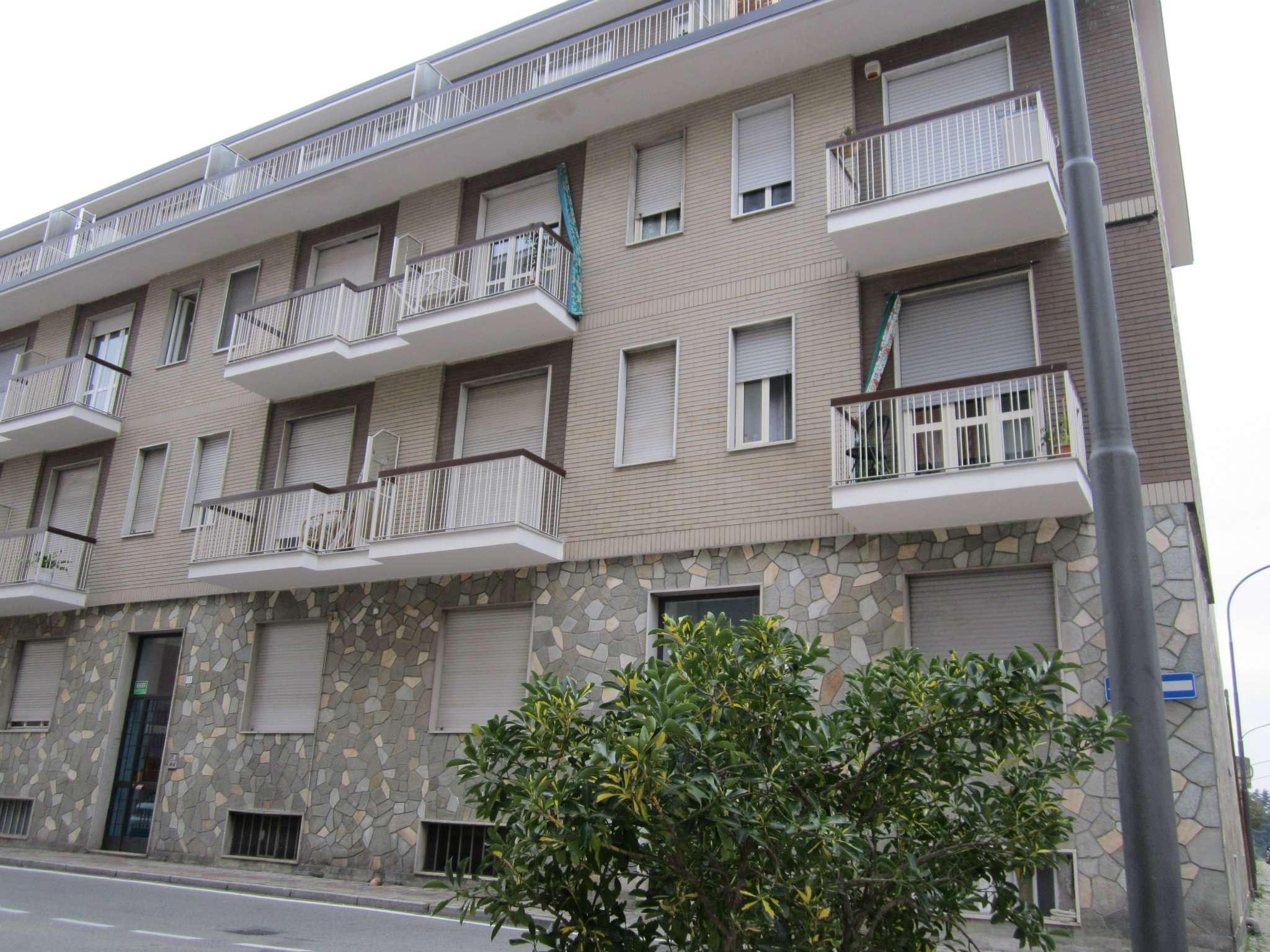 Appartamento in buone condizioni in affitto Rif. 8538877