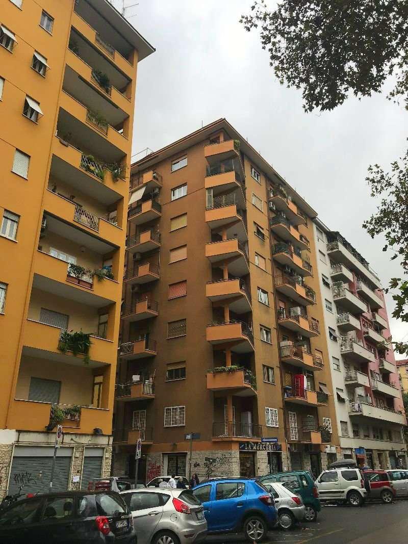 Appartamento in vendita a Roma, 2 locali, zona Zona: 20 . Marconi - Ostiense, prezzo € 229.000 | CambioCasa.it