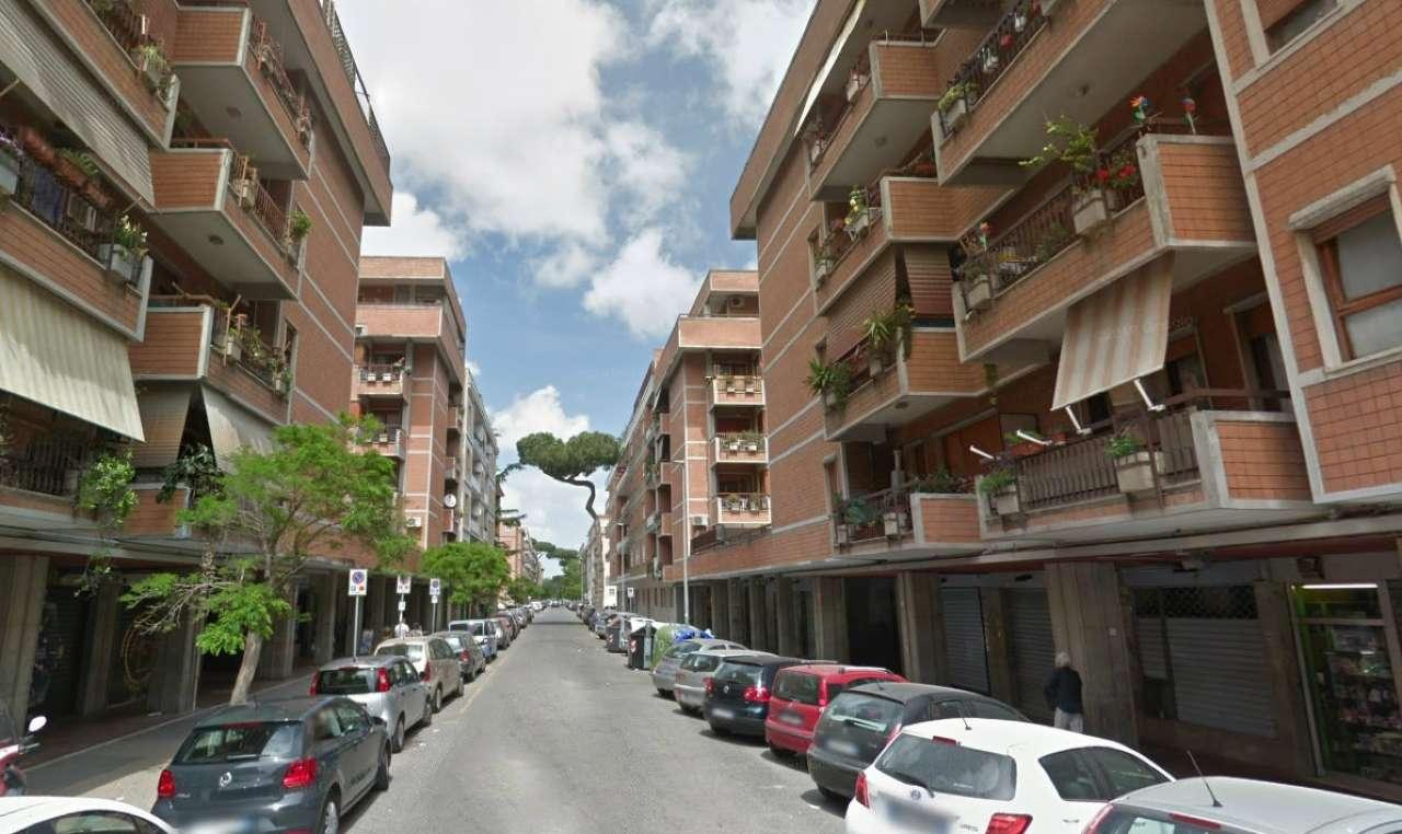 Negozio / Locale in affitto a Roma, 1 locali, zona Zona: 39 . Lido di Ostia, Ostia, Castel Fusano, Torre Paterno, prezzo € 850 | CambioCasa.it