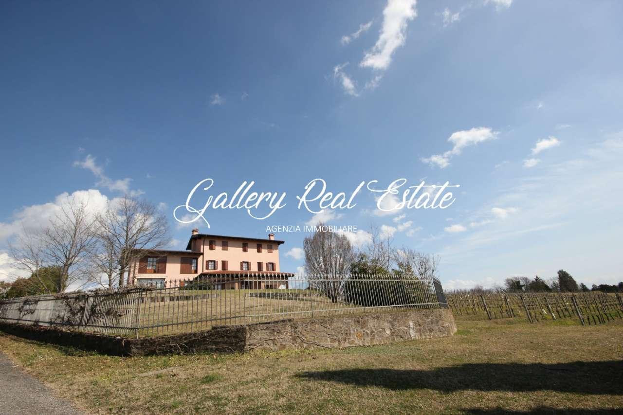 Rustico / Casale in vendita a Capriva del Friuli, 8 locali, prezzo € 650.000   CambioCasa.it