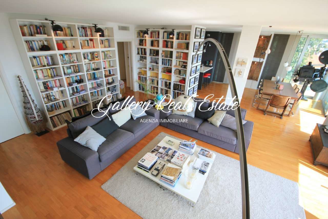 Appartamento in vendita a Trieste, 4 locali, prezzo € 890.000 | PortaleAgenzieImmobiliari.it