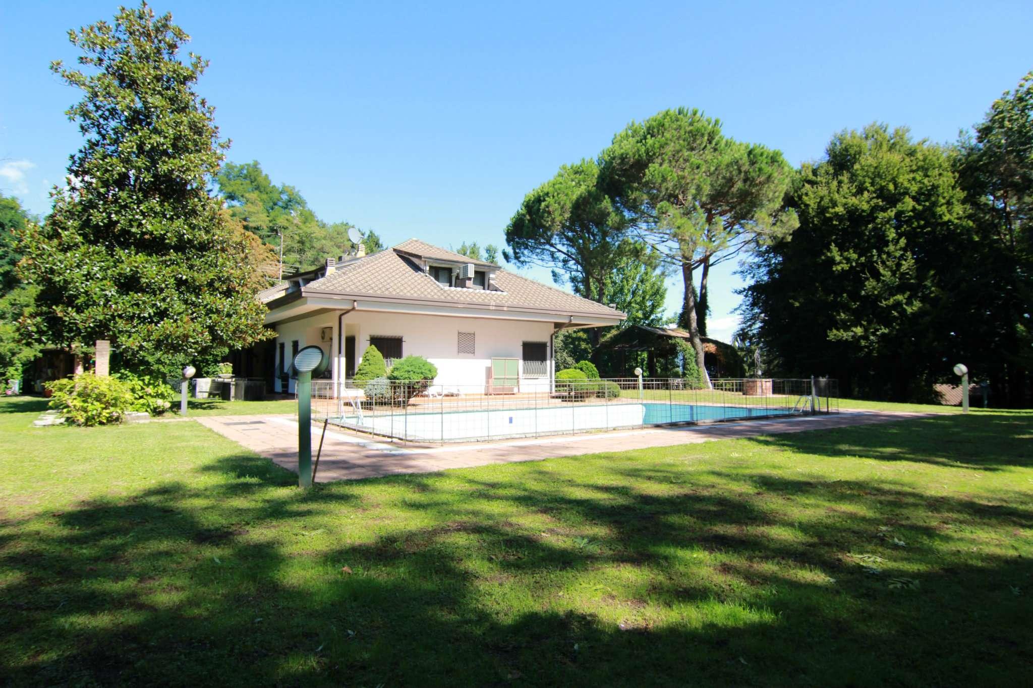 Villa in vendita a Alzate Brianza, 10 locali, prezzo € 1.190.000 | PortaleAgenzieImmobiliari.it