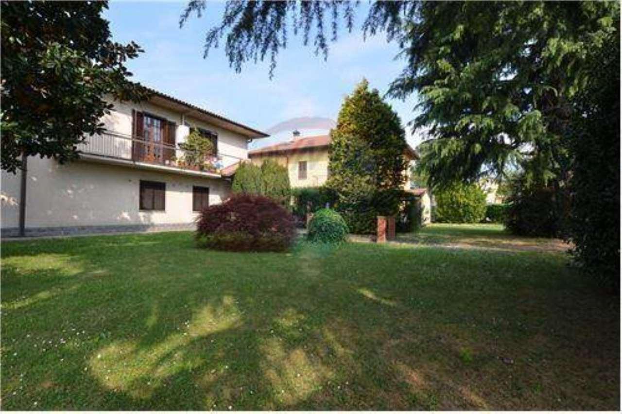 Villa in vendita a Mapello, 5 locali, prezzo € 425.000   CambioCasa.it