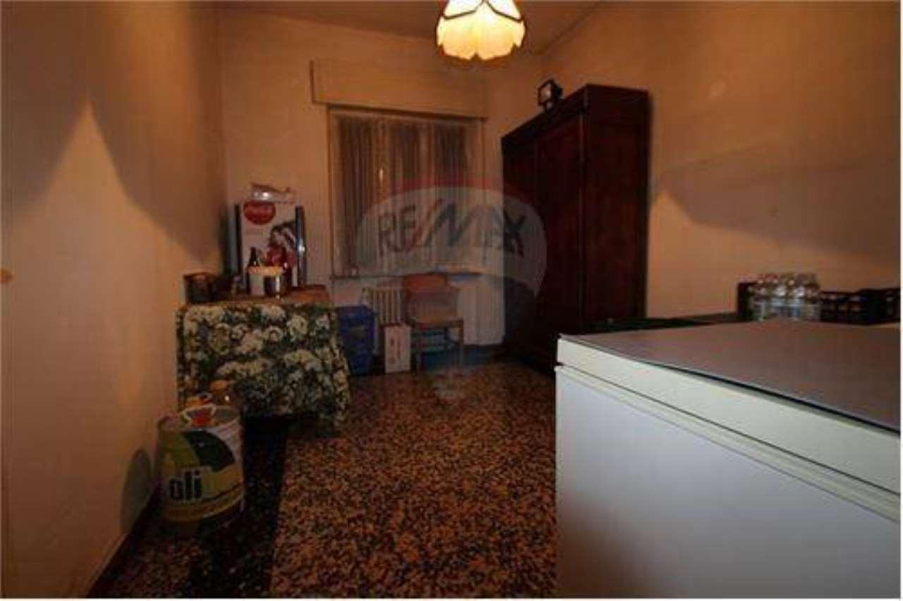 Appartamento da ristrutturare in vendita Rif. 5288560