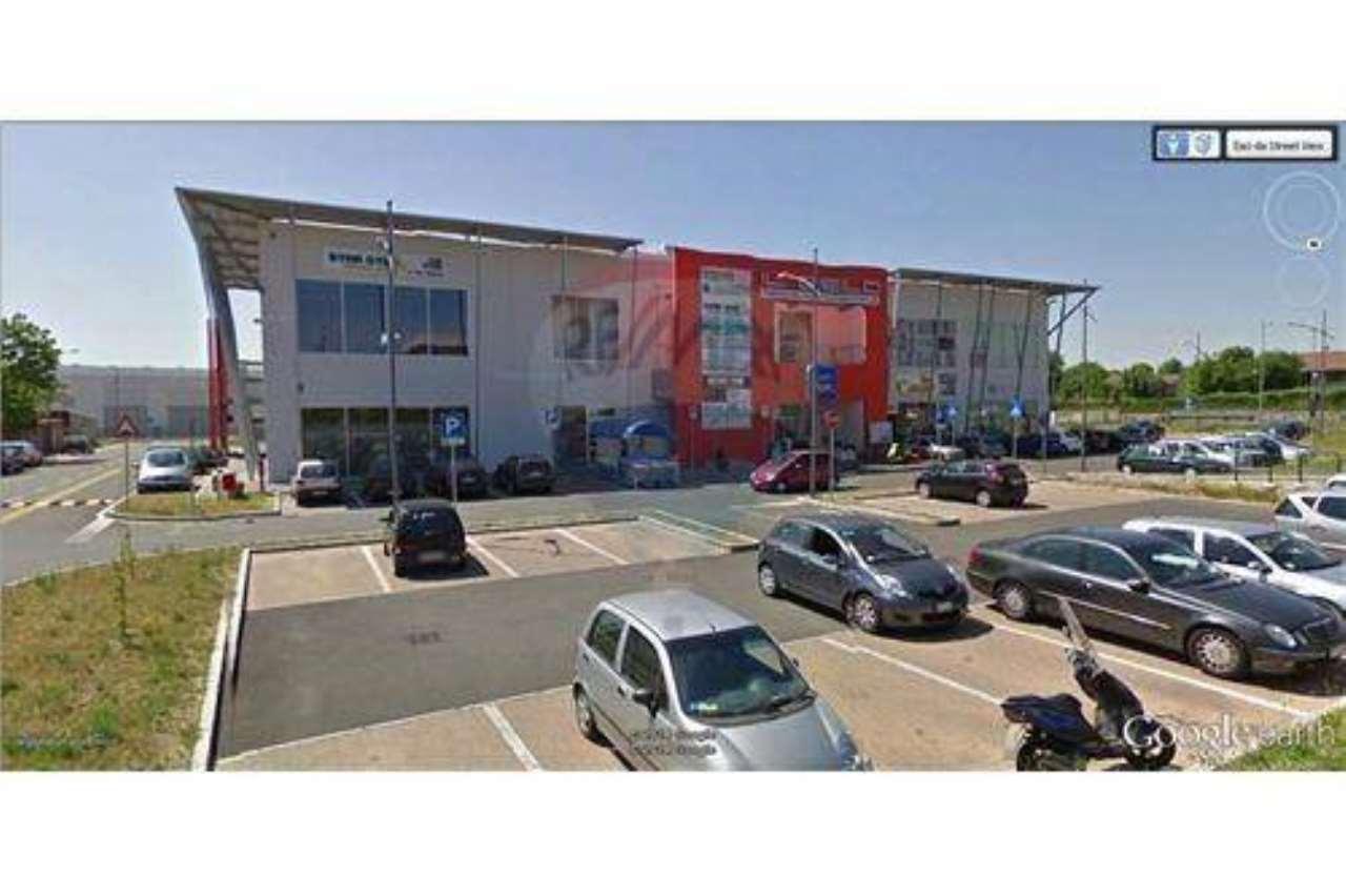 Negozio / Locale in vendita a Suisio, 1 locali, prezzo € 1.090.000 | CambioCasa.it