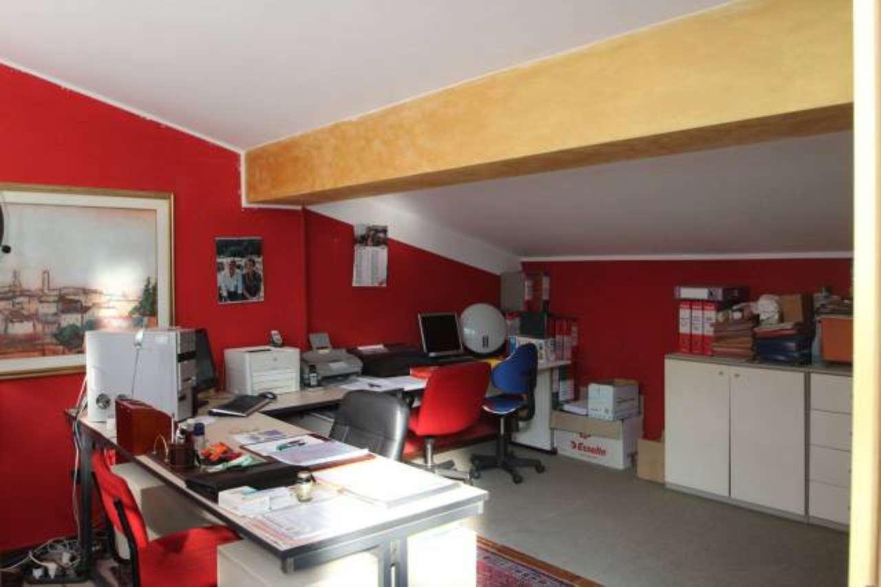 Negozio / Locale in vendita a Almenno San Salvatore, 3 locali, prezzo € 94.000 | CambioCasa.it
