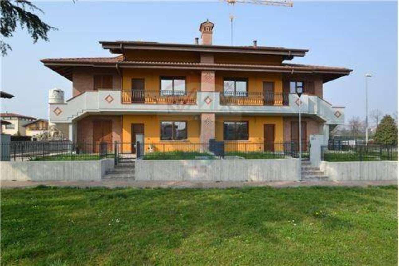 Appartamento in vendita a Presezzo, 5 locali, prezzo € 260.000   PortaleAgenzieImmobiliari.it
