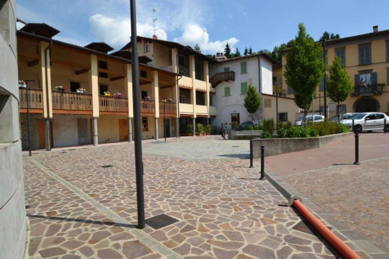 Appartamento in vendita a Caprino Bergamasco, 4 locali, prezzo € 70.000 | CambioCasa.it