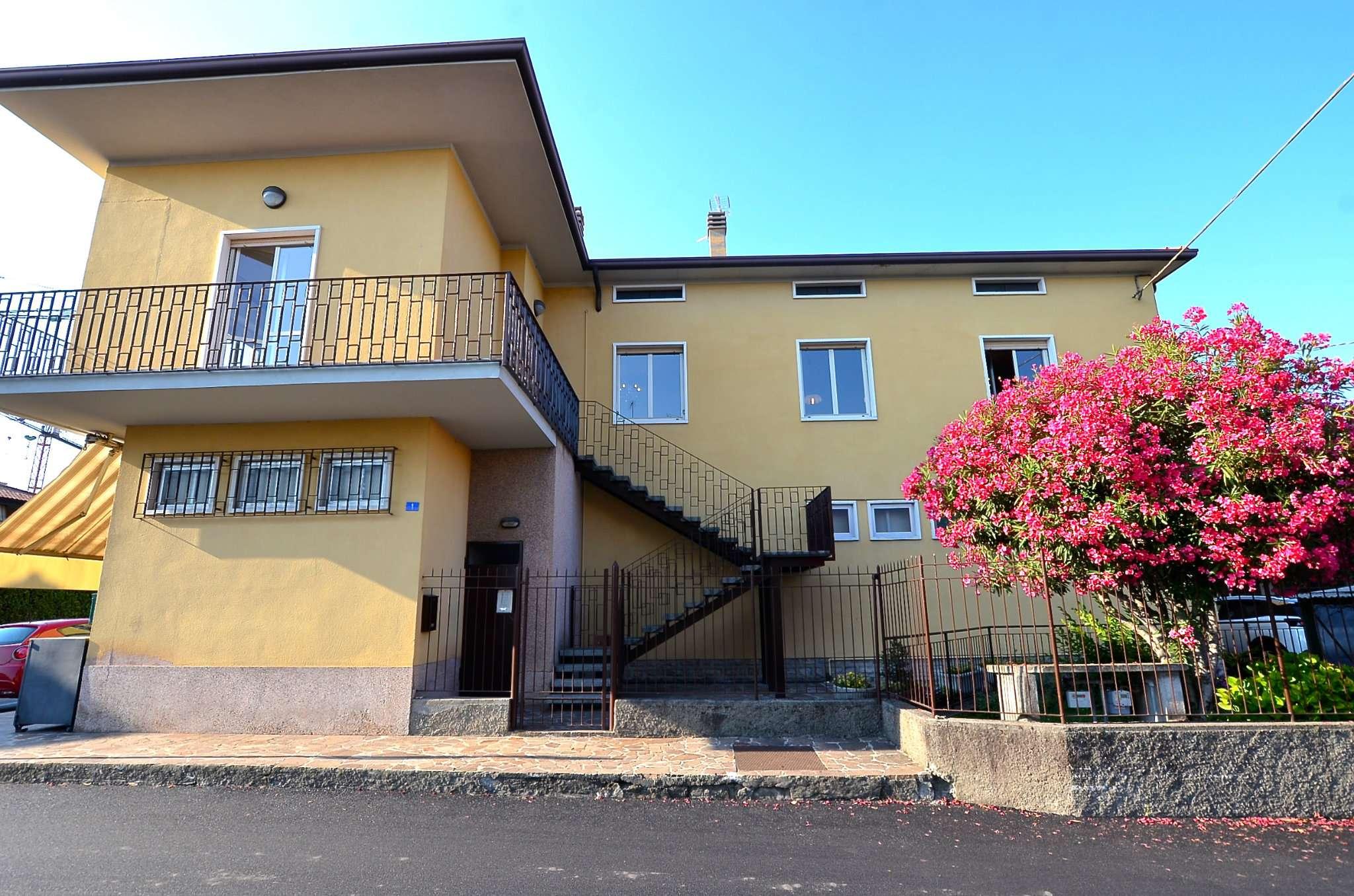 Appartamento in ottime condizioni parzialmente arredato in vendita Rif. 7257012