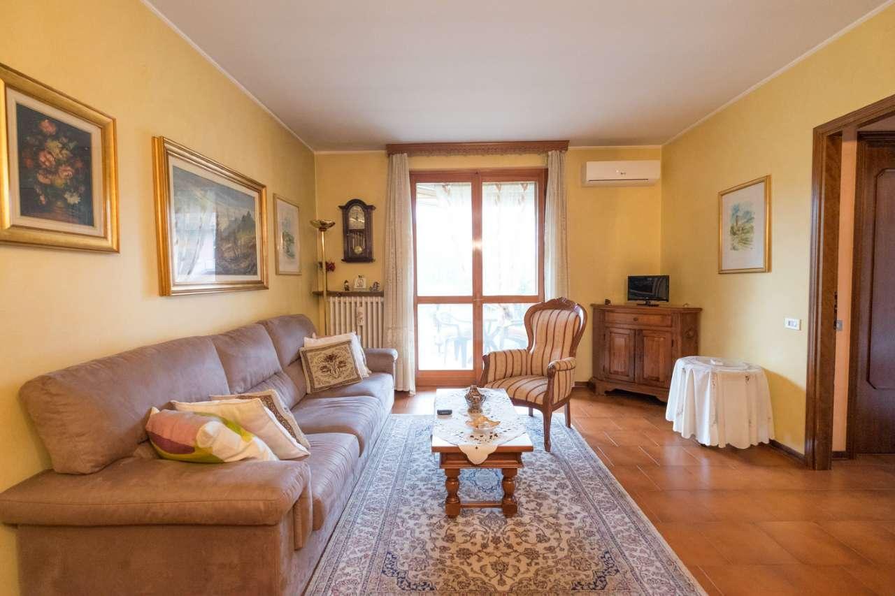 Appartamento in vendita a Pontirolo Nuovo, 3 locali, prezzo € 114.000 | CambioCasa.it