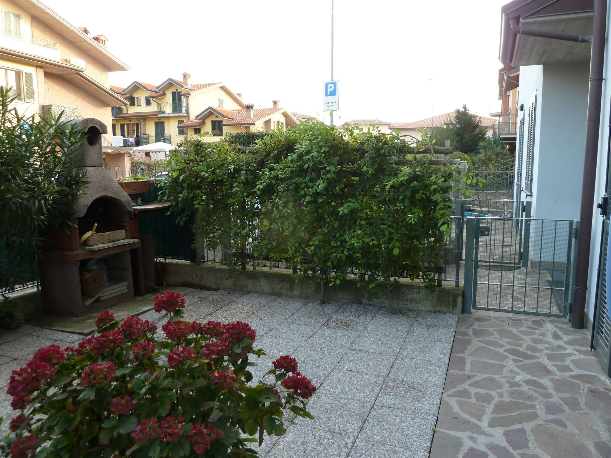 Appartamento in buone condizioni in vendita Rif. 8329709