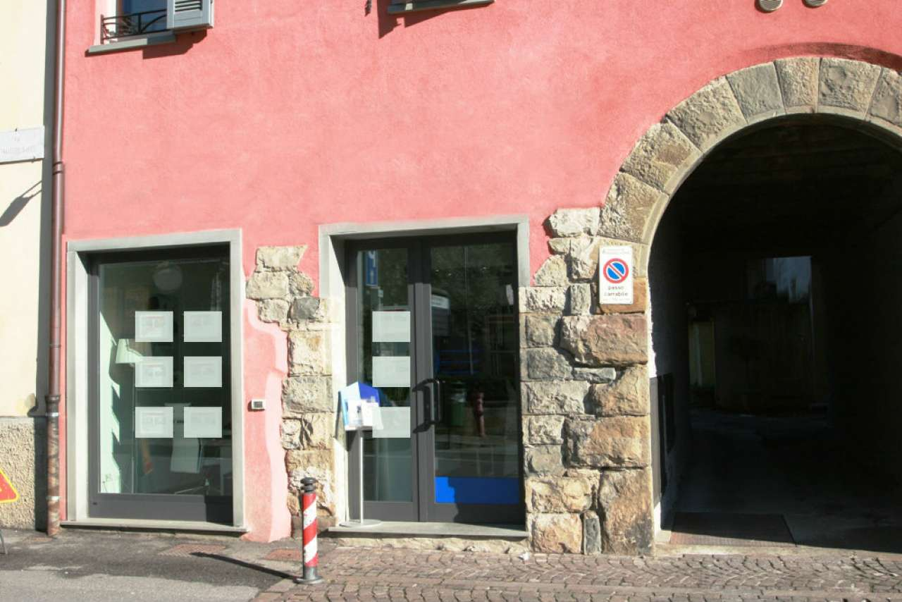 Ufficio / Studio in vendita a Bonate Sopra, 2 locali, prezzo € 98.000 | CambioCasa.it