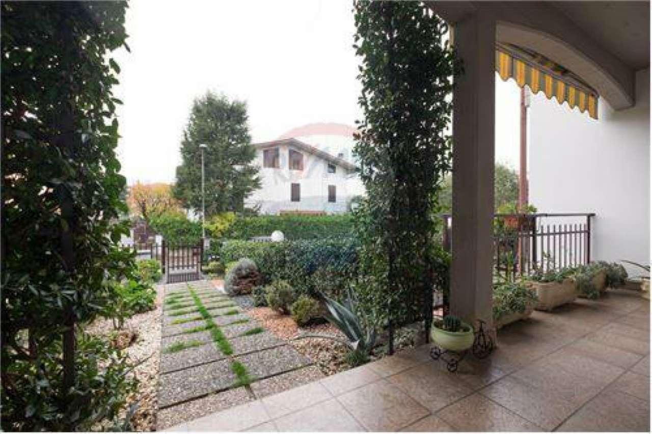 Villa a Schiera in Vendita a Medolago