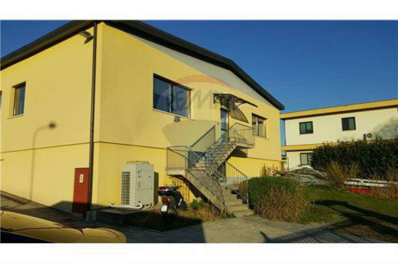 Negozio / Locale in affitto a Lallio, 6 locali, prezzo € 2.150 | CambioCasa.it