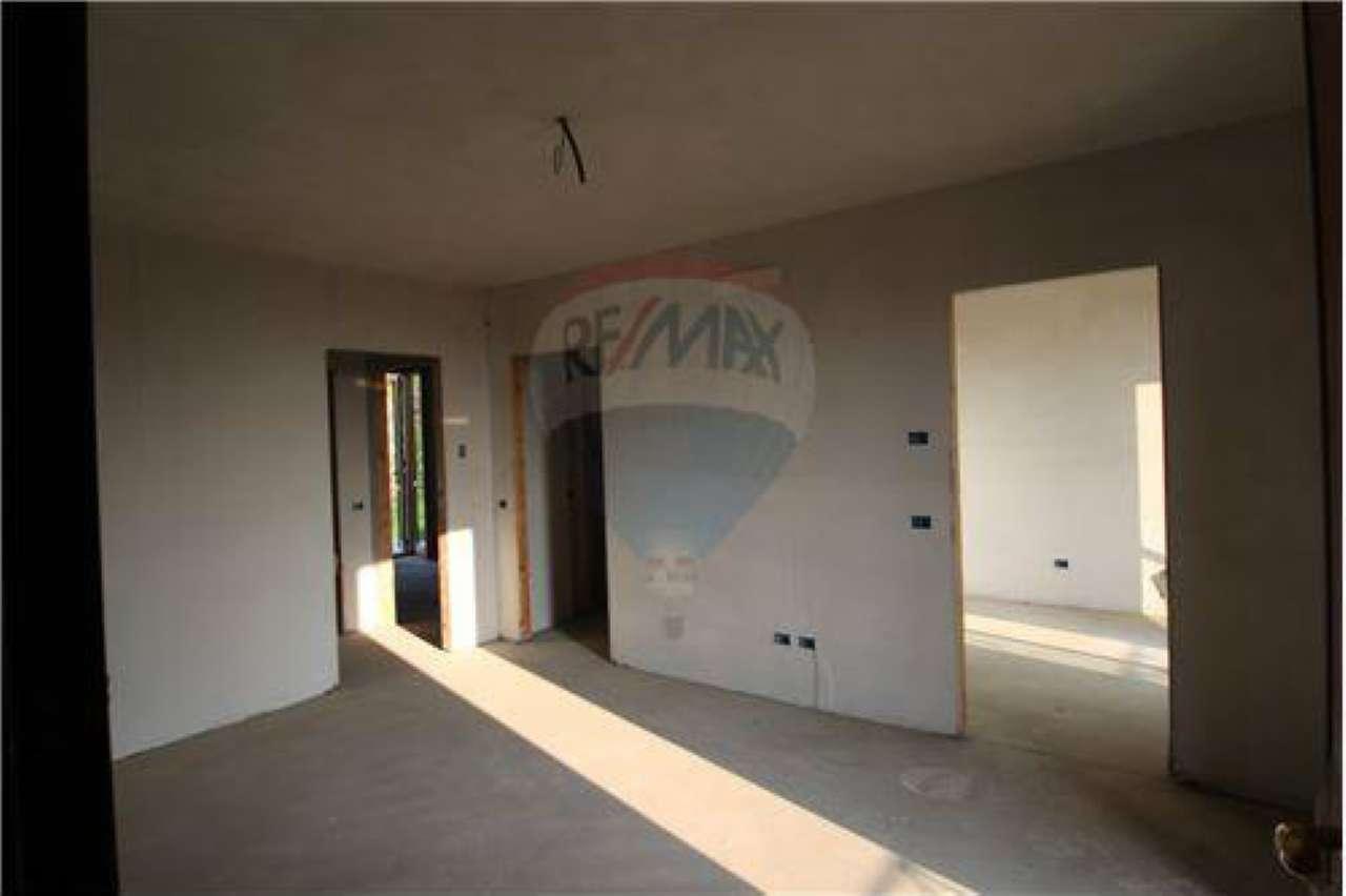 Appartamento in vendita a Pontida, 3 locali, prezzo € 105.000 | CambioCasa.it