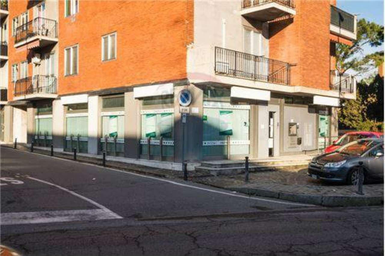 Negozio / Locale in affitto a Capriate San Gervasio, 8 locali, prezzo € 1.500   CambioCasa.it