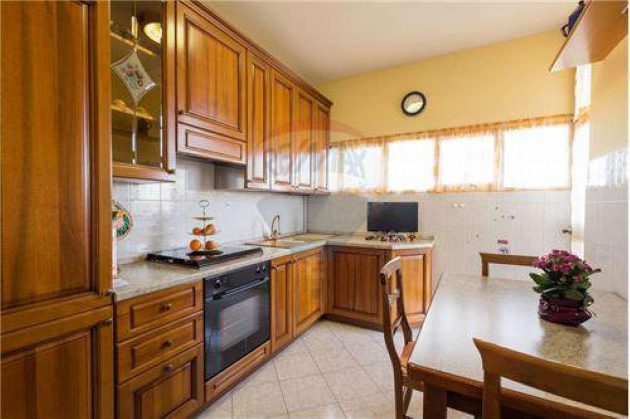 Appartamento in vendita a Bonate Sopra, 4 locali, prezzo € 69.000 | PortaleAgenzieImmobiliari.it