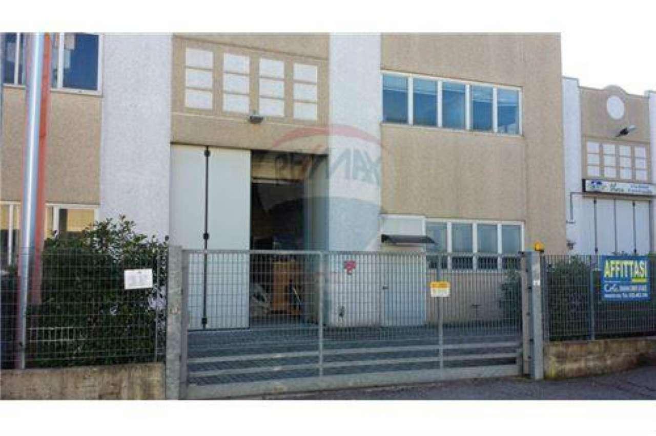 Capannone in affitto a Brembate, 5 locali, prezzo € 1.500 | CambioCasa.it