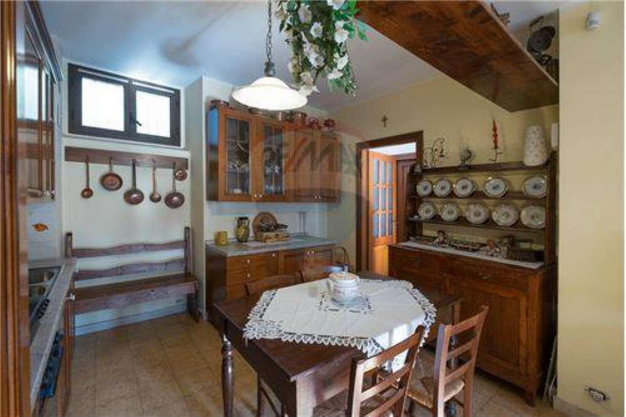 Appartamento in buone condizioni in vendita Rif. 7875221