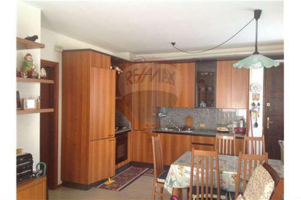 Appartamento in affitto a Villa d'Ogna, 2 locali, prezzo € 400 | CambioCasa.it