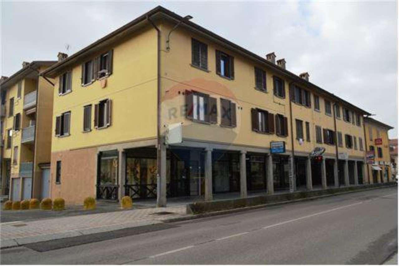 Attività / Licenza in vendita a Presezzo, 2 locali, prezzo € 39.000 | CambioCasa.it