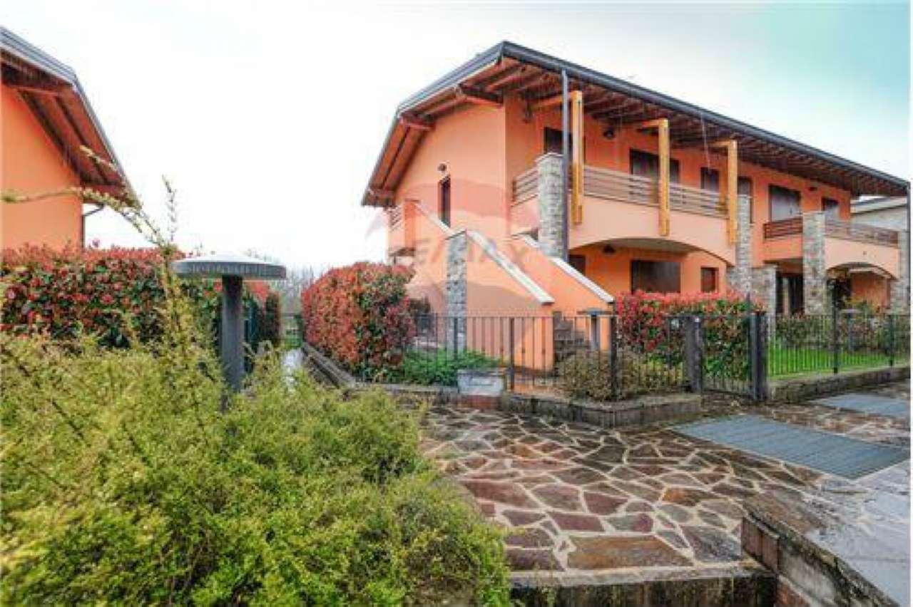 Appartamento in buone condizioni in vendita Rif. 6113264
