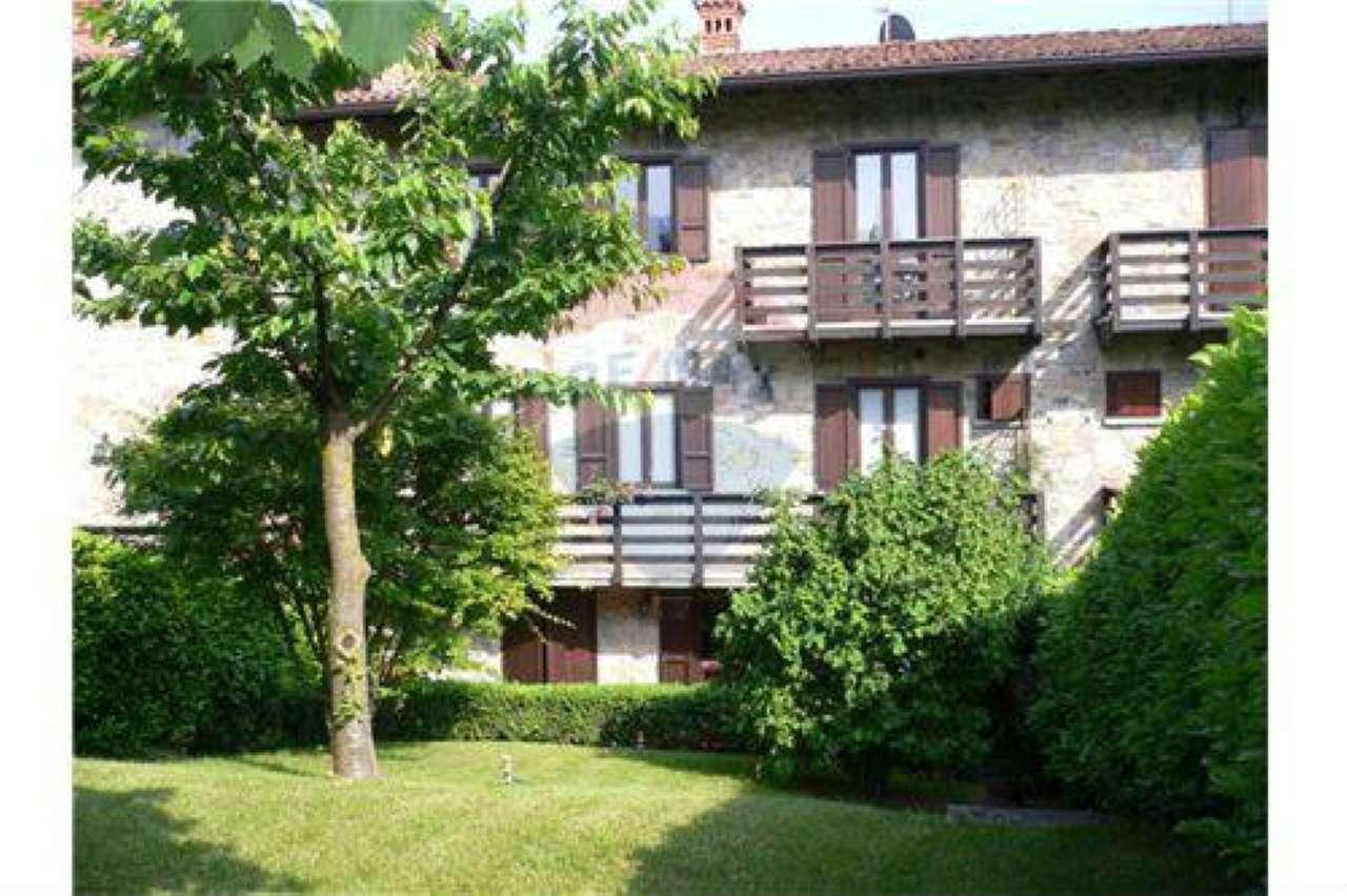 Villetta a schiera in buone condizioni in vendita Rif. 6129363