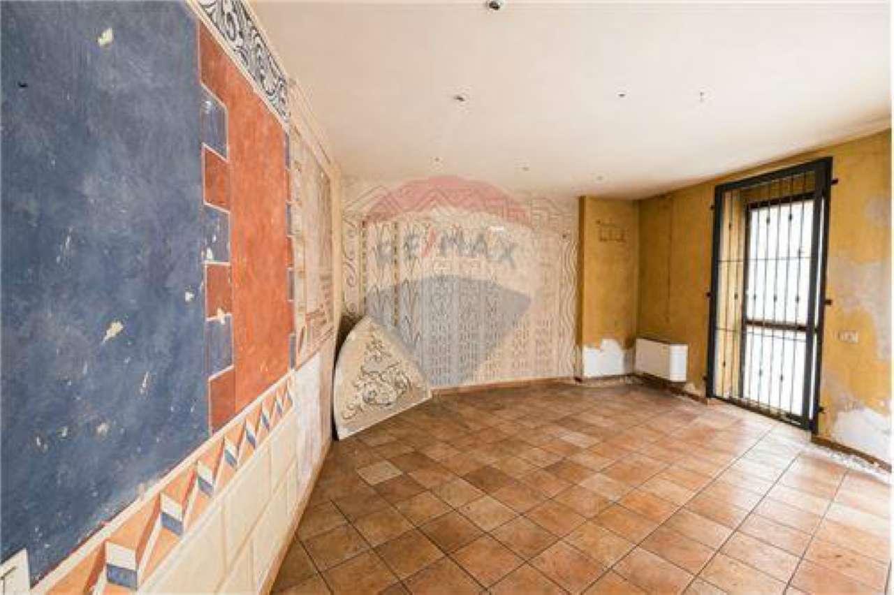Negozio / Locale in vendita a Brembate, 2 locali, prezzo € 45.000 | CambioCasa.it