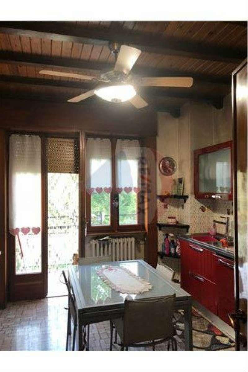 Appartamento in vendita a Brembate di Sopra, 4 locali, prezzo € 75.000   CambioCasa.it