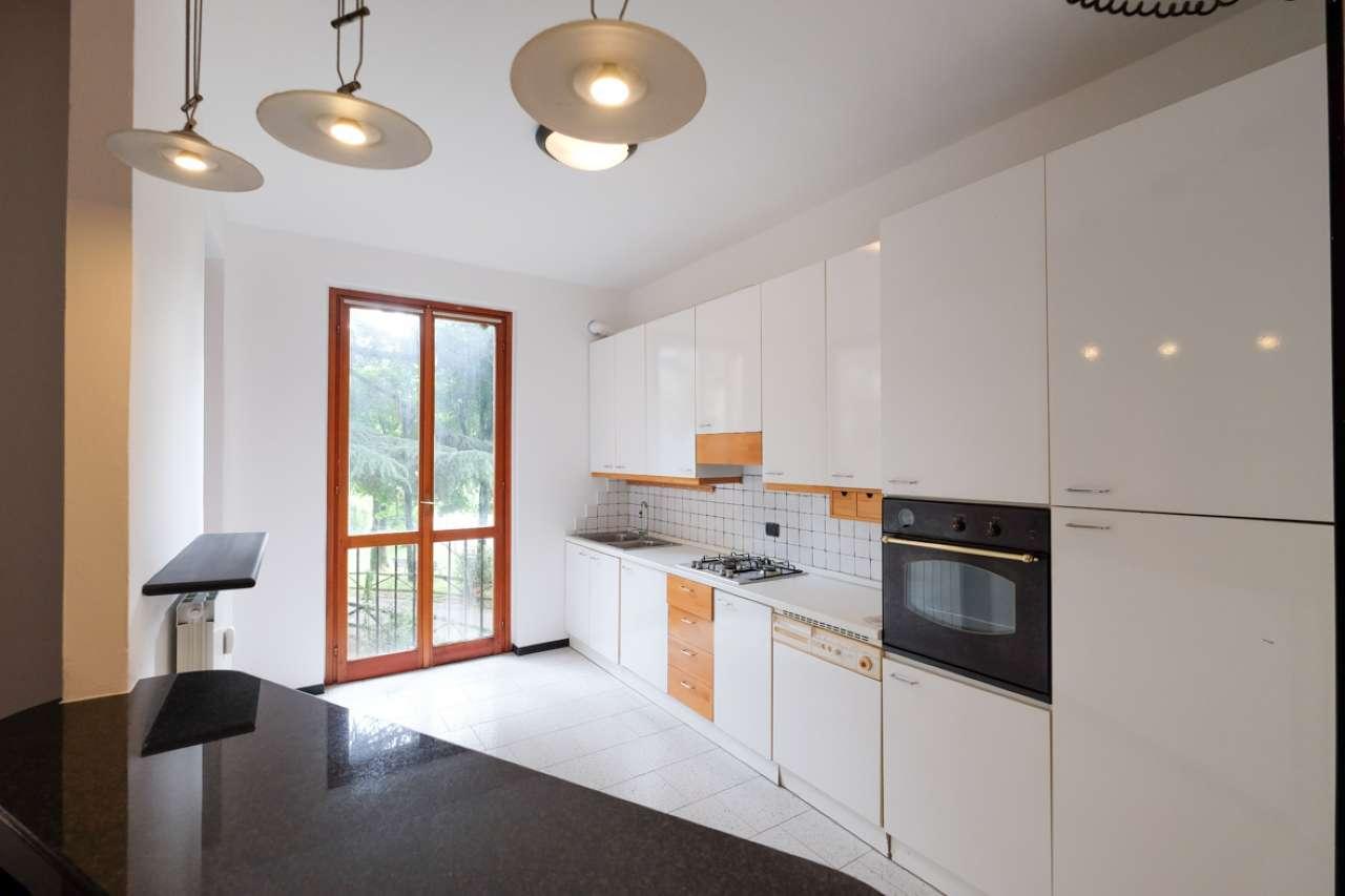 Appartamento in buone condizioni in vendita Rif. 6788663