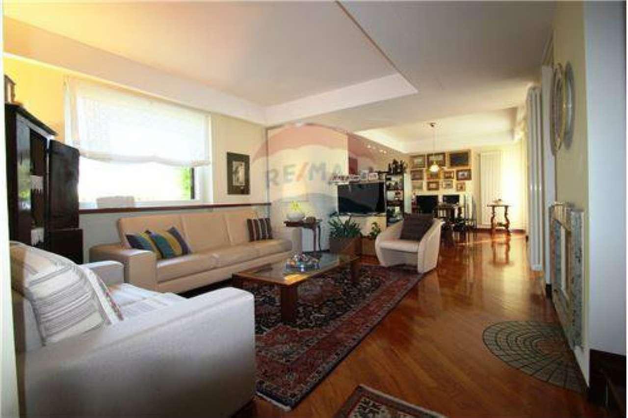 Villa in buone condizioni in vendita Rif. 7062433